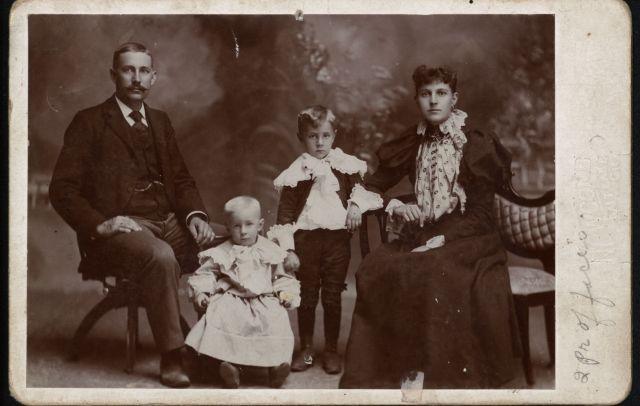 Lundquist, Emanual Richard Family.jpg